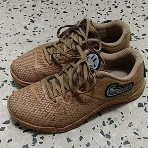 Mens Nike Metcon 4 XD shoes with Patches